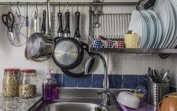 το ψαλίδισμα του αρχείου περιλαμβάνει την καταβόθρα μονοπατιών κουζινών Στοκ φωτογραφία με δικαίωμα ελεύθερης χρήσης