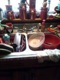 το ψαλίδισμα του αρχείου περιλαμβάνει την καταβόθρα μονοπατιών κουζινών Στοκ Φωτογραφίες
