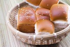 το ψωμί απομόνωσε το λευκό στοκ εικόνα