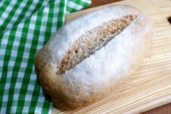 το ψωμί απομόνωσε το λευκό Στοκ εικόνες με δικαίωμα ελεύθερης χρήσης