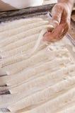 το ψωμί αρτοποιών κάνει τα ραβδιά Στοκ εικόνες με δικαίωμα ελεύθερης χρήσης