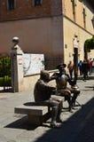 Το όμορφο άγαλμα φορά τη συζήτηση Δον Κιχώτης και Sancho Panza Ιστορία ταξιδιού αρχιτεκτονικής Στοκ Φωτογραφία