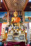 Το όμορφο άγαλμα του Βούδα σε Wat Jamadhev Στοκ Φωτογραφία