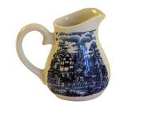 Το όμορφο γάλα καφέ πορσελάνης μπορεί Στοκ Εικόνα