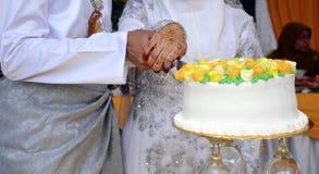 Το όμορφο γαμήλιο κέικ Στοκ Εικόνες
