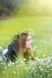 Το όμορφο κορίτσι με τα μπλε μάτια Στοκ Εικόνες