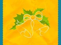 Το όμορφο κουδούνι Χριστουγέννων με πράσινο βγάζει φύλλα Στοκ Εικόνες