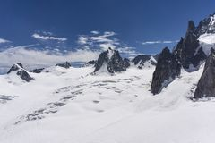 Το όμορφο μεγαλοπρεπές τοπίο του ορεινού όγκου της Mont Blanc ορών Στοκ Εικόνες