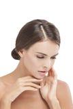 Το όμορφο πρότυπο με φυσικό αποτελεί σχετικά με το μαλακό πρόσωπο δερμάτων της στοκ φωτογραφία με δικαίωμα ελεύθερης χρήσης