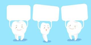 Το δόντι κινούμενων σχεδίων παίρνει τον πίνακα διαφημίσεων Στοκ εικόνες με δικαίωμα ελεύθερης χρήσης