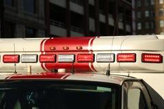 Το όχημα έκτακτης ανάγκης οδηγεί την κινηματογράφηση σε πρώτο πλάνο στοκ εικόνες