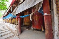 Το ύφασμα των scriptures στο περιστρέψιμο σχέδιο του Θιβέτ Στοκ Εικόνα