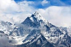 Το Ama Dablam τοποθετεί στο Νεπάλ Ιμαλάια Στοκ Φωτογραφία
