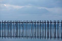 το amarapura bein γεφυρώνει το διάση&mu Στοκ φωτογραφία με δικαίωμα ελεύθερης χρήσης