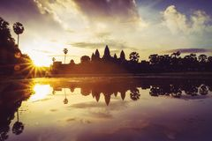 το angkor Καμπότζη συγκεντρώνει siem την ανατολή wat Καμπότζη και Angkor Wat Στοκ Εικόνες