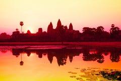 το angkor Καμπότζη συγκεντρώνει siem την ανατολή wat Στοκ Φωτογραφίες