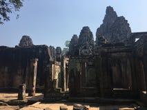 Το Angkor Wat σε Siem συγκεντρώνει, Cambodia Αρχαίες καταστροφές του Khmer ναού πετρών Bayon Στοκ Εικόνα