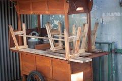Το Angkringan πωλεί την παραδοσιακή κλειστή τρόφιμα φωτογραφία που λαμβάνεται στο yogyakarta Ινδονησία Στοκ Φωτογραφία