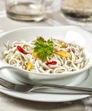 Το Angulas με το σκόρδο είναι ένα χαρακτηριστικό πιάτο tapas Στοκ φωτογραφία με δικαίωμα ελεύθερης χρήσης