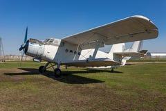 Το Antonov ένας-2 είναι σοβιετικό παραγμένο μαζικά με ένα κινητήρα biplane Στοκ Φωτογραφία
