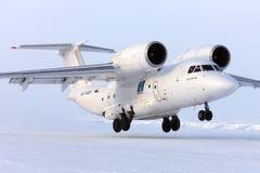 Το Antonov ένας-74 RA-74020 απογειώνεται στο στρατόπεδο πάγου Barneo Στοκ φωτογραφίες με δικαίωμα ελεύθερης χρήσης