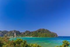 Το AO pi Leh είναι κολυμπώντας με αναπνευτήρα λιμνοθάλασσα γύρου σημείου διάσημη Phi Phi στα νησιά, Krabi, Ταϊλάνδη Στοκ Εικόνα