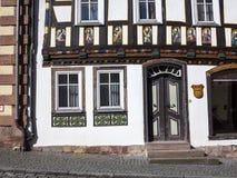 Το Apostel εφοδίασε με ξύλα κατά το ήμισυ το σπίτι στην πόλη παραμυθιού Στοκ φωτογραφία με δικαίωμα ελεύθερης χρήσης