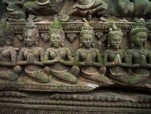 Το Apsara χάρασε στον τοίχο στο TA Prohm Castle, Angkor Wat, Cambod Στοκ Εικόνες
