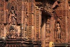 Το Apsaras που χαράζεται στον τοίχο ναών σε Siem συγκεντρώνει, Cambod Στοκ Φωτογραφίες