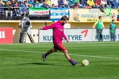 Το Arda Turan θερμαίνει πριν από την αντιστοιχία Λα Liga μεταξύ Villarreal του ΘΦ και FC Βαρκελώνη Στοκ Εικόνα