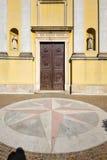 Το arno Βαρέζε Ιταλία εκκλησιών solbiate η παλαιά εκκλησία πεζουλιών τοίχων είναι Στοκ Εικόνες