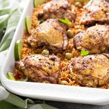 Το Arroz con Pollo, το κοτόπουλο με το ισπανικό ρύζι Στοκ εικόνα με δικαίωμα ελεύθερης χρήσης