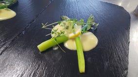 Το Aspargus και η σάλτσα Στοκ Εικόνες