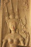 Το bas-ανάγλυφο τοίχων Devata, ναός Angkor Wat, Siem συγκεντρώνει, Καμπότζη Στοκ φωτογραφία με δικαίωμα ελεύθερης χρήσης