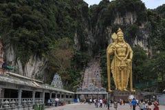 Το Batu ανασκάπτει την είσοδο και το Λόρδο Murugan Statue στη Κουάλα Λουμπούρ Μαλαισία Οι σπηλιές Batu βρίσκονται ακριβώς βόρεια  Στοκ φωτογραφία με δικαίωμα ελεύθερης χρήσης