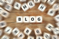 Το Blog blogger που χωρίζει σε τετράγωνα την επιχειρησιακή έννοια Στοκ φωτογραφία με δικαίωμα ελεύθερης χρήσης