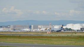 Το Boeing 747 επιταχύνει και απογειώθηκε απόθεμα βίντεο