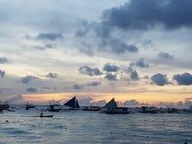 το boracay νησί Φιλιππίνες χαλαρώνει το ηλιοβασίλεμα στοκ φωτογραφία με δικαίωμα ελεύθερης χρήσης