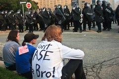 το bro με φορά g20 g8 διαμαρτυρίε&sig Στοκ εικόνα με δικαίωμα ελεύθερης χρήσης