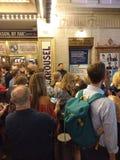 Το Broadway παρουσιάζει, σκηνική πόρτα του Music Box Theatre, NYC, Νέα Υόρκη, ΗΠΑ στοκ φωτογραφία με δικαίωμα ελεύθερης χρήσης