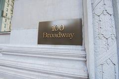 Το broadway σημάδι οδών στη Νέα Υόρκη στοκ εικόνα με δικαίωμα ελεύθερης χρήσης
