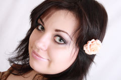 το brunette ακούει αυξήθηκε Στοκ Εικόνα