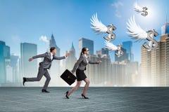 Το businesspeople που χαράζει τη χρηματοδότηση επενδυτών αγγέλου Στοκ φωτογραφίες με δικαίωμα ελεύθερης χρήσης