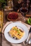 Το Cannelloni με κομματιάζει την πλήρωση και τις κάπαρες Στοκ εικόνα με δικαίωμα ελεύθερης χρήσης