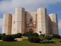 Το castel del monte σε Apulia στην Ιταλία Στοκ Εικόνες