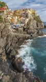 Το Cinque Terre, Λιγυρία, φέρνοντας τουρίστας πορθμείων Italy Στοκ Εικόνες