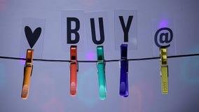 Το Clothespin αγοράζει το κείμενο κανένα ελαφρύ μήκος σε πόδηα hd disco φιλμ μικρού μήκους