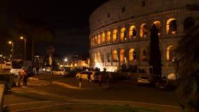 Το Coliseum στη Ρώμη τη νύχτα απόθεμα βίντεο