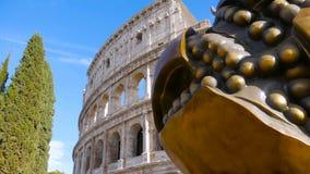 Το Colosseum, σμιλεύει ένα ρόδι φιλμ μικρού μήκους