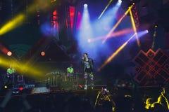 Το Cosmo αποδίδει στη σκηνή της συναυλίας του πρώτου του Μαΐου Στοκ Φωτογραφίες